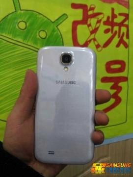 Galaxy S4-02