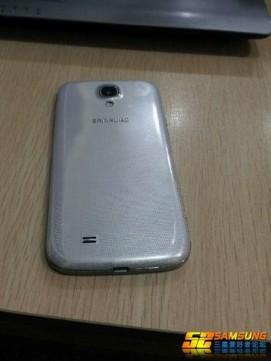 Galaxy S4-03