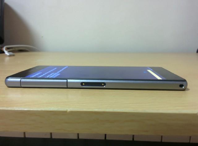 Sony-D6503-Leak_2-640x473